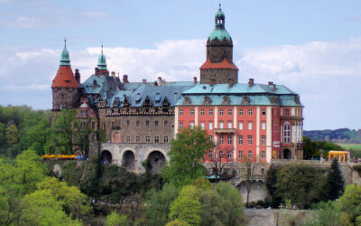 Ksiaz Castle in Poland. Nazi secrets, a ghost of the princess and hidden treasure legend.